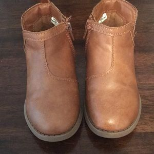 Fairly good condition toddler boots. Size 8